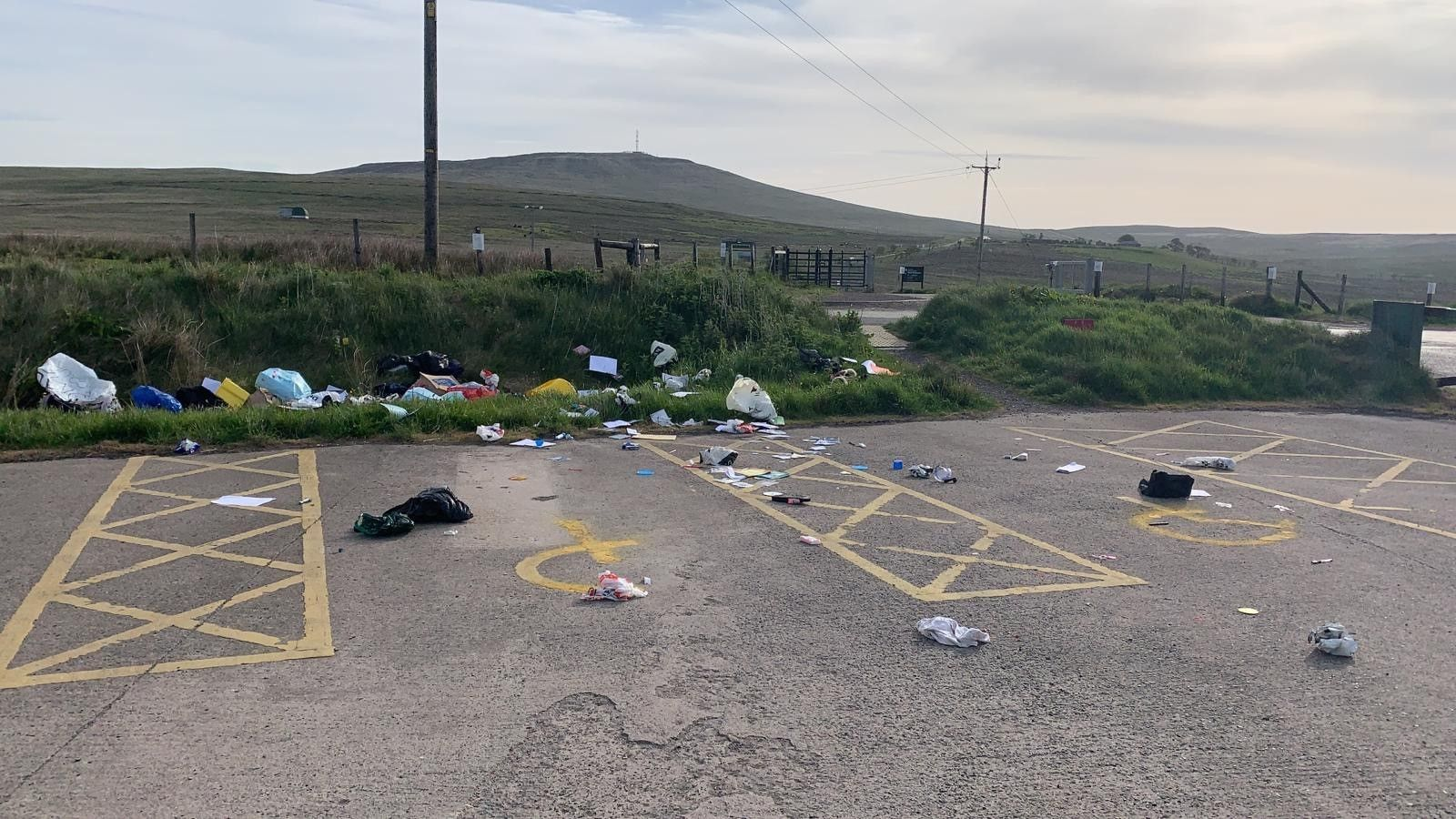Fly tipping at divis