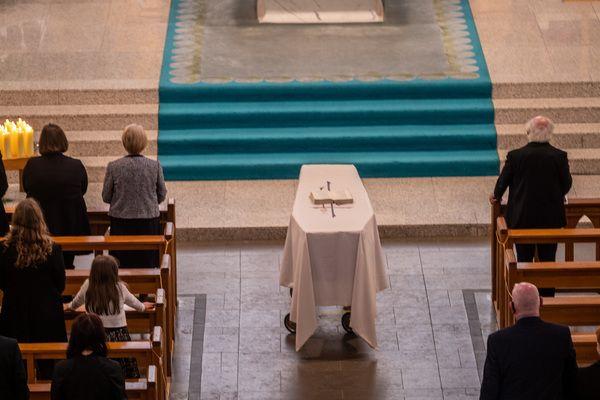 013 pool hume funeral
