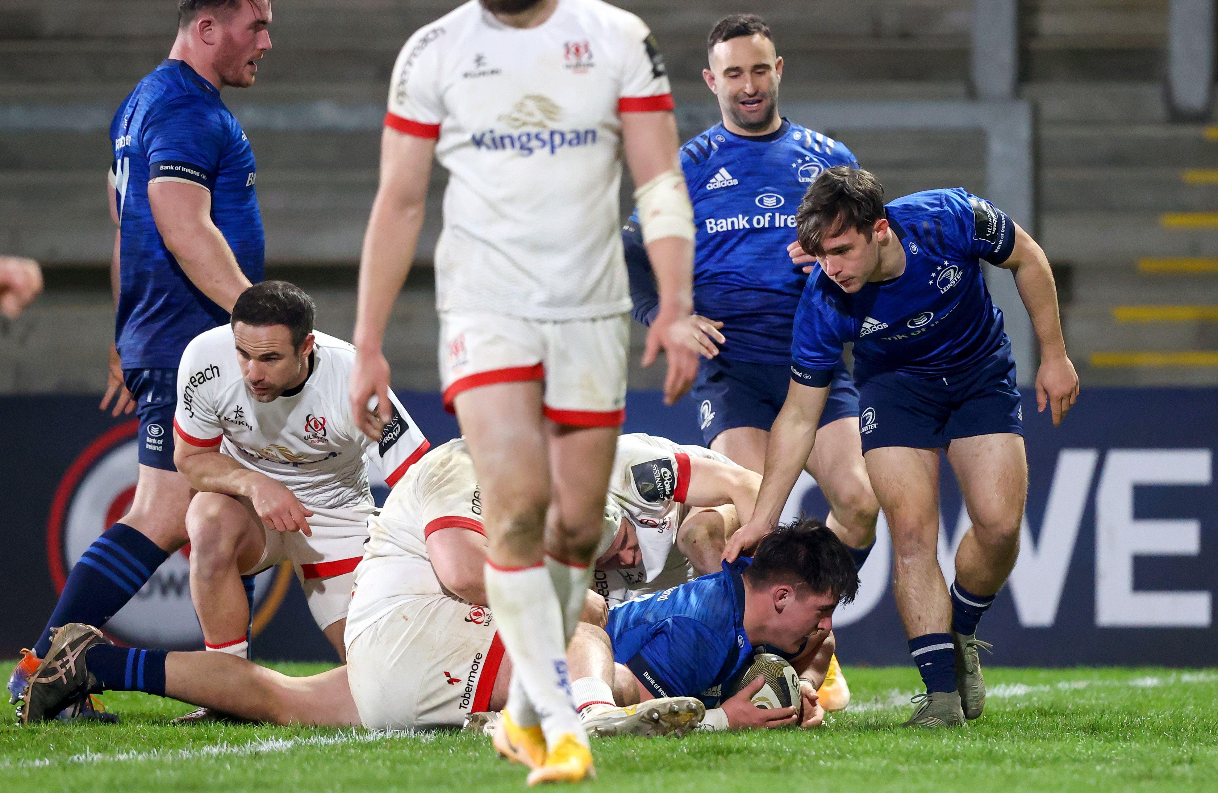 Dan Sheehan crosses for a Leinster try