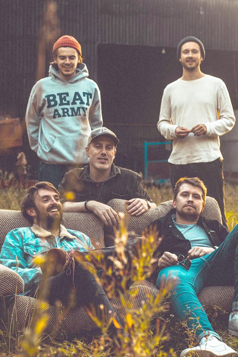 SmallMint, whose low-key indie rock track 'Liv' gets the live music video treatment