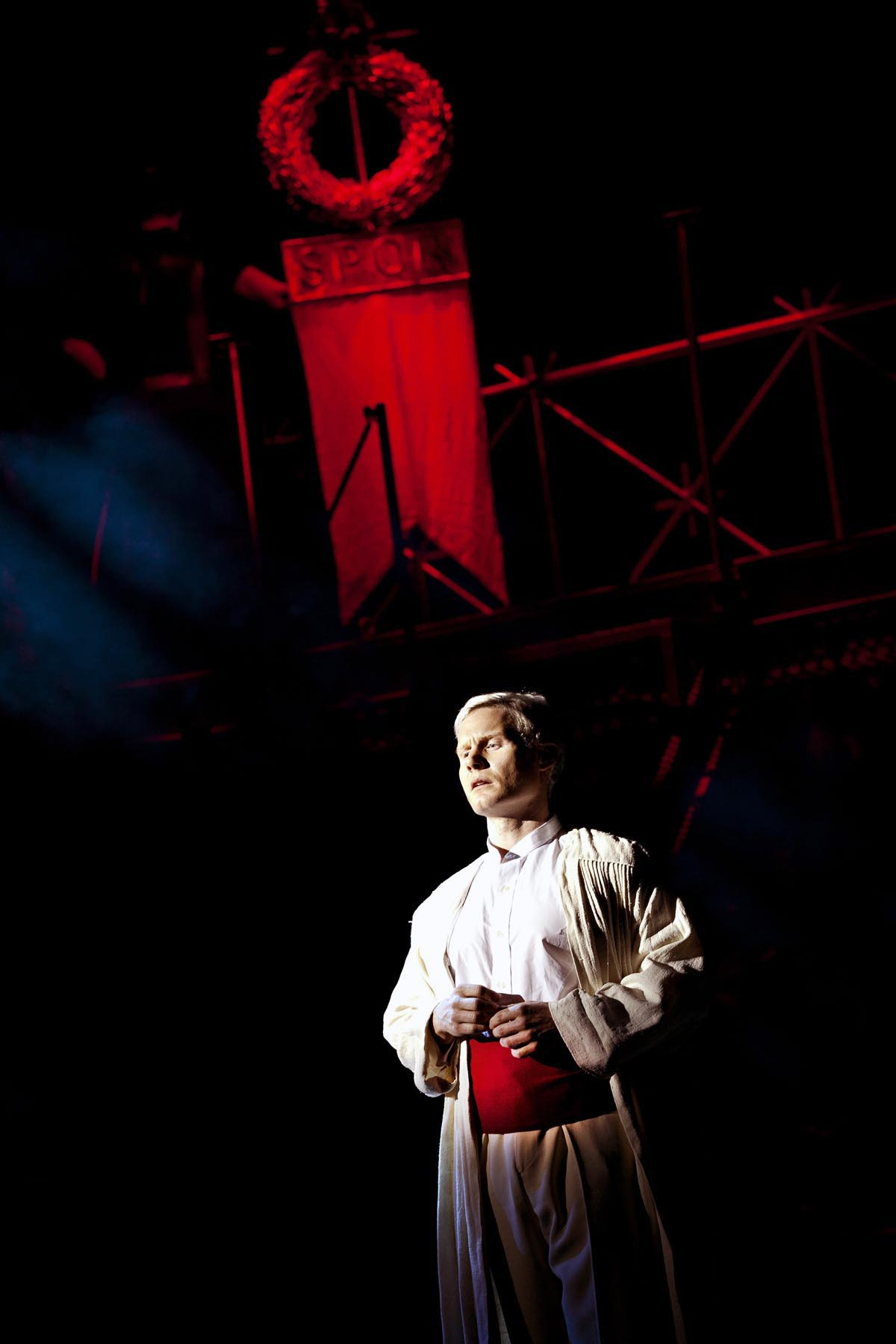 Jesus christ superstar 2015 uk tour rhydian roberts as pntius pilate credit pamela raith photography