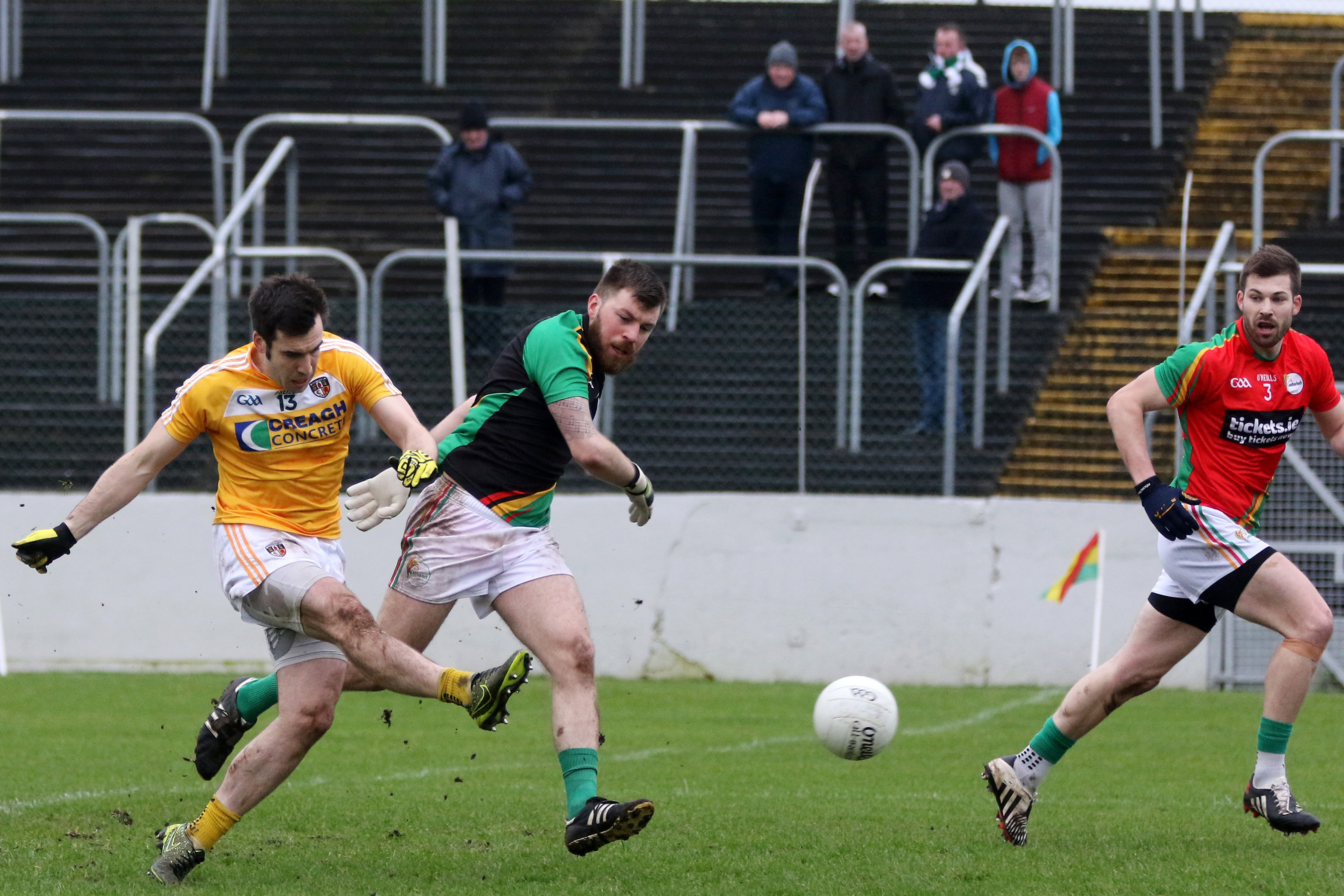 Kevin niblock bagged the games only goal as antrim beat carlow 1 12 to 0 10 in their nfl division four opener yesterday