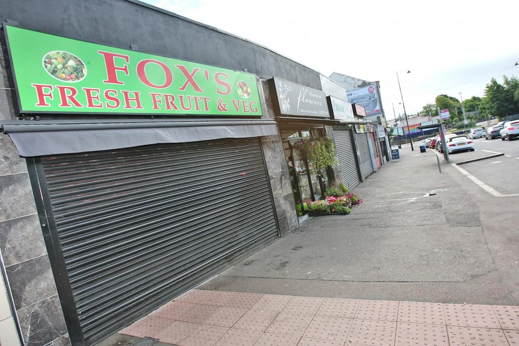 Fox's Fresh Fruit and Veg shop in Ardoyne. 1277mj16