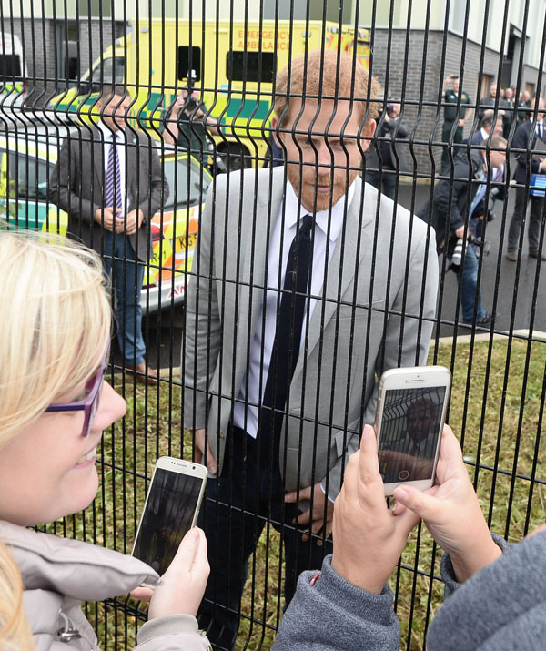 Pacemaker prince harry visits to northern ireland 04