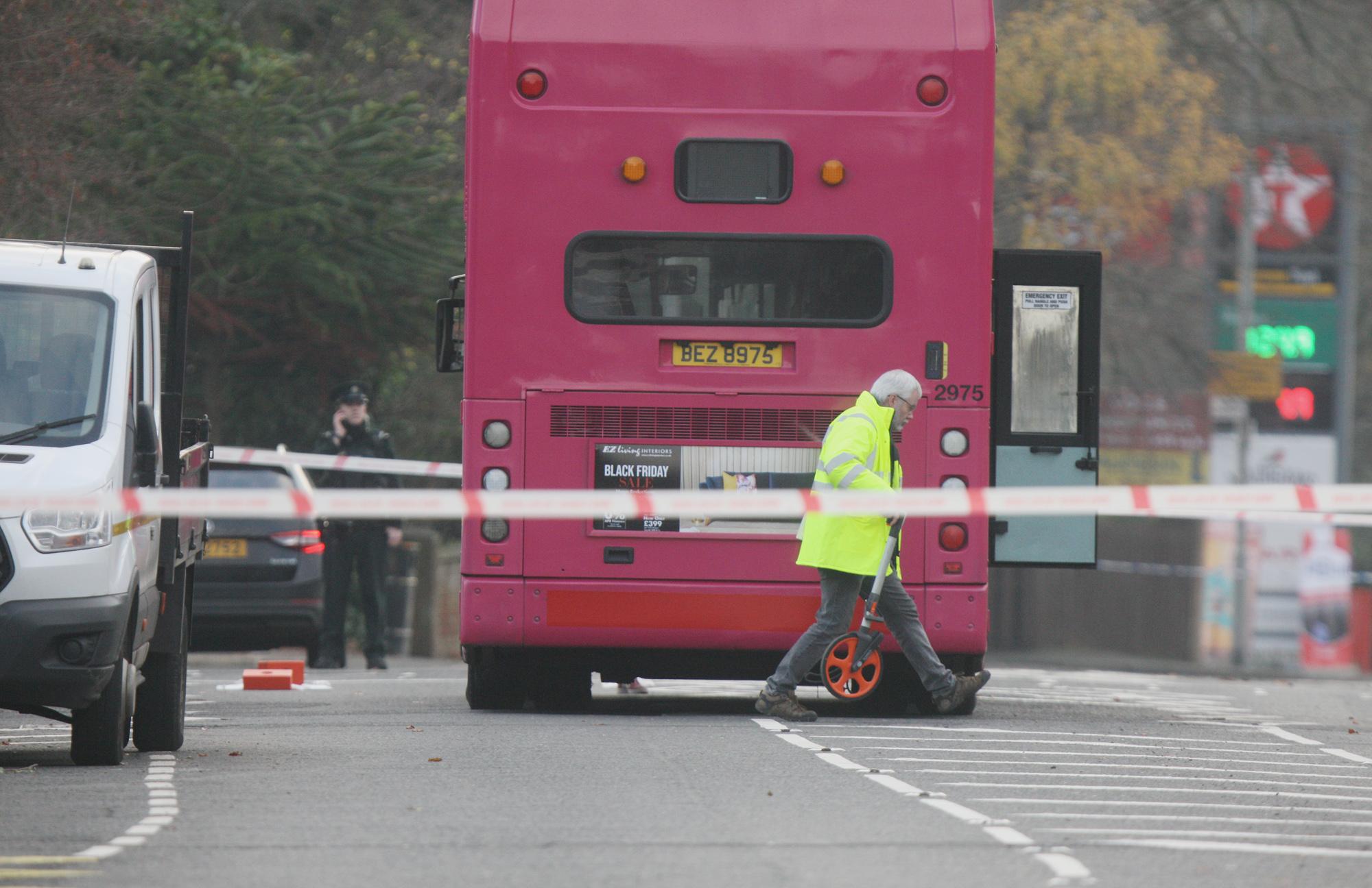 Antrim road bus 2211tm18 01