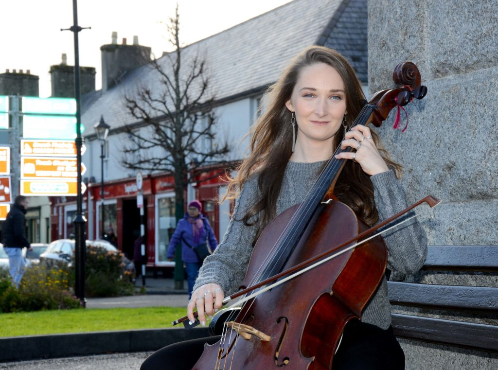 Ceoltóir Óg: The Young Musician of the Year Sharon Howley playing her Cello