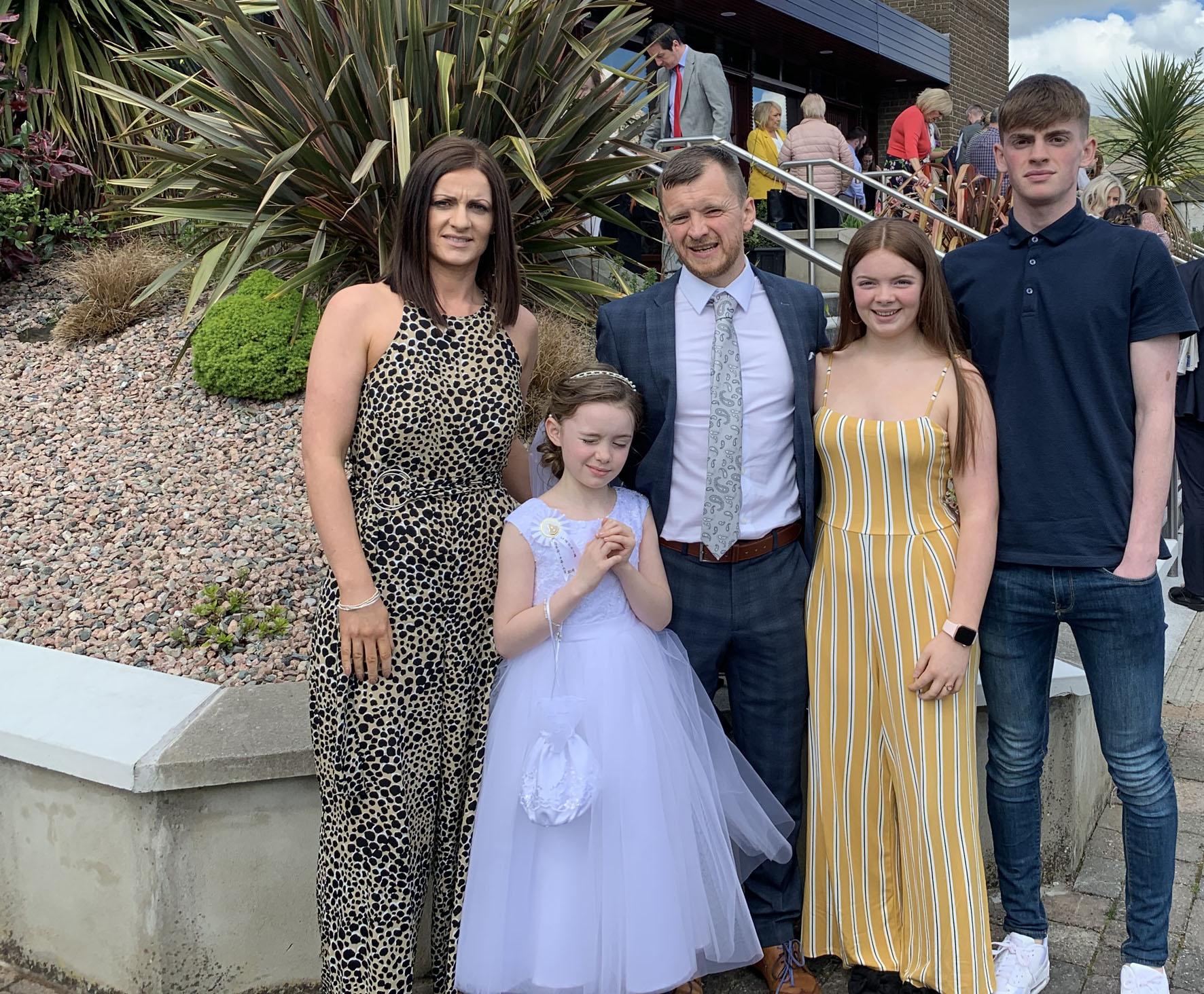 Sean mac manais and family