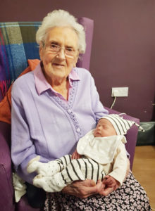 Ethel Sinclair with her great-granddaughter Georgia[/caption]